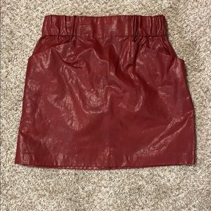 Zara faux leather maroon skirt small with pockets!